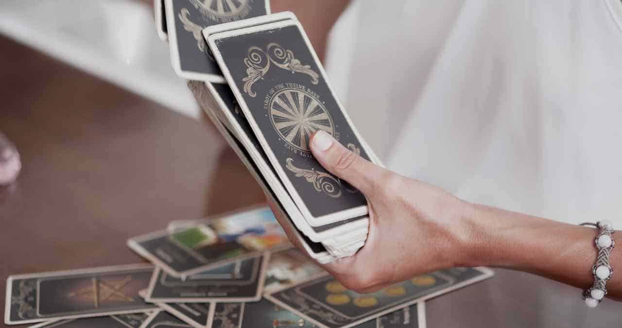 Can you use a tarot deck with missing cards