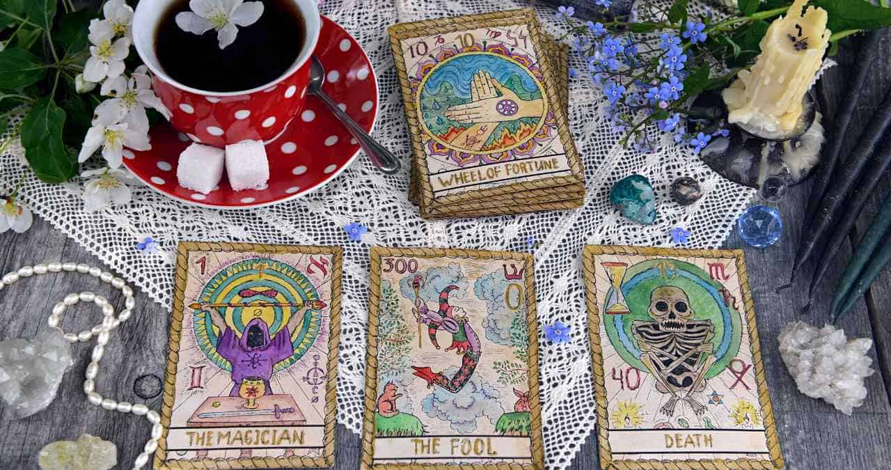 What's the difference between tarot and angel cards?