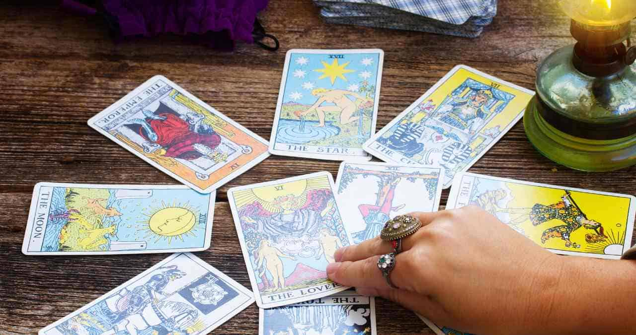 how to break in tarot cards