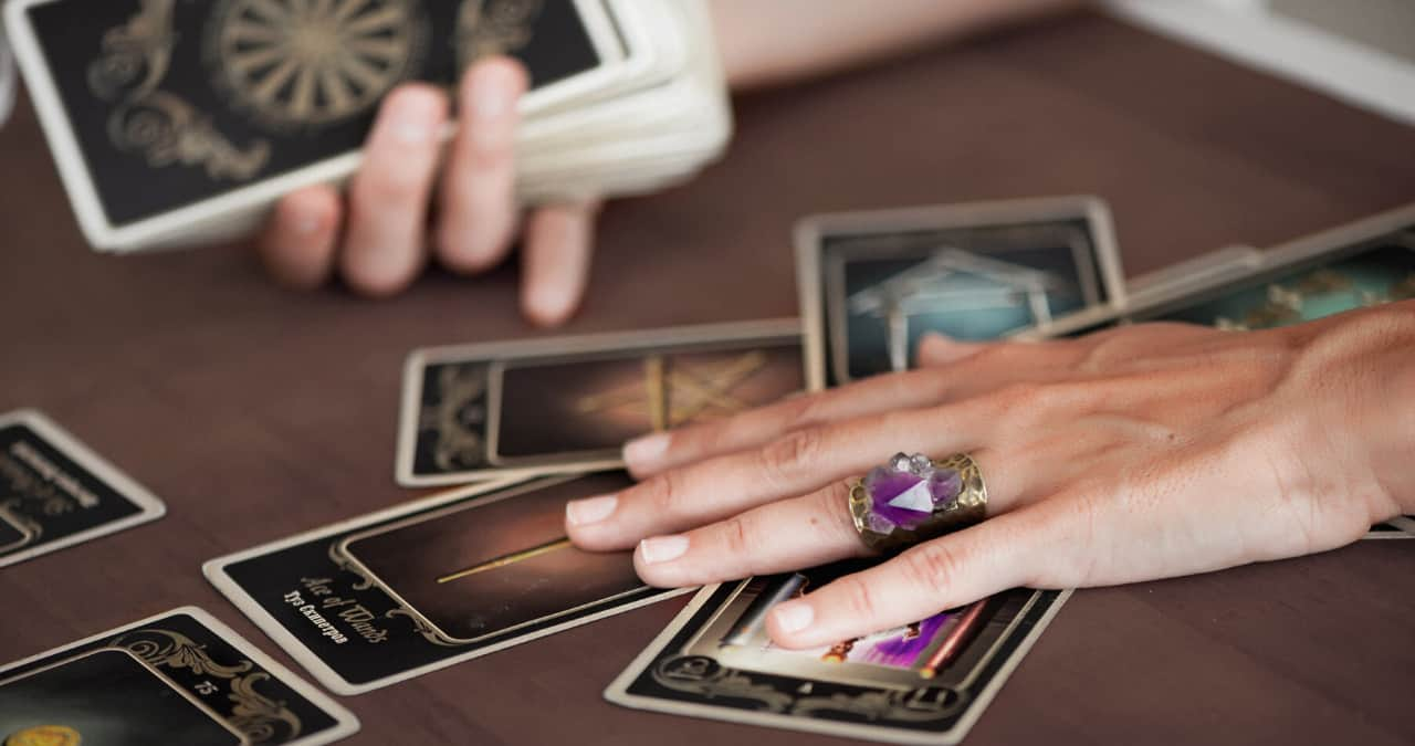 How to do a Tarot reading on yourself