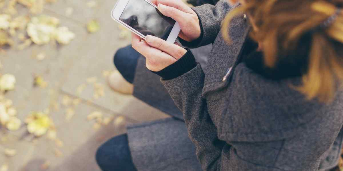 How to text a Sagittarius woman